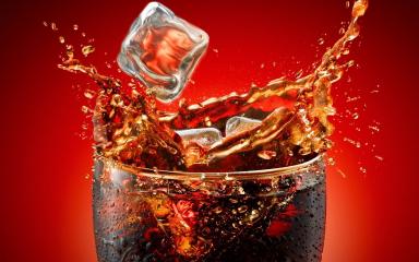 jak coca cola działa na zęby