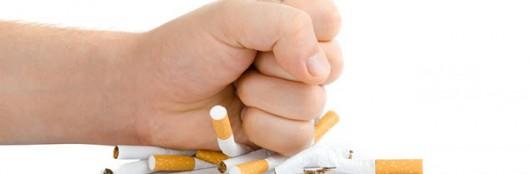 Jak papierosy niszczą zęby?